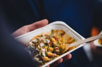 Spicy chickpeas with fresh herbs and yoghurt dressing